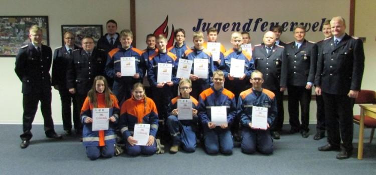 Jugendflamme 1+2 an zahlreiche Mitglieder verliehen