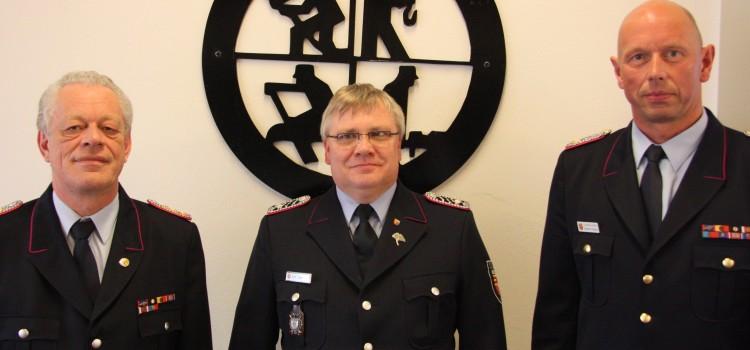 Kreisfeuerwehrausbilder OLM Karl-Heinz Dué zum Hauptlöschmeister befördert